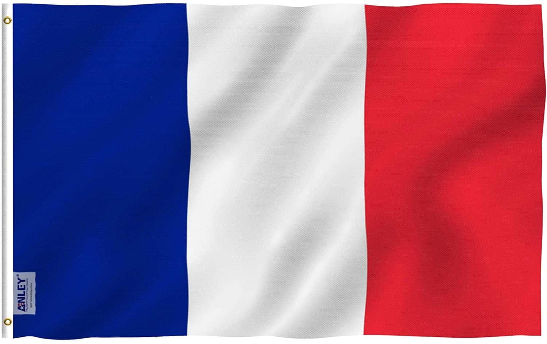 Ο Στάθης Ταυλαρίδης βρέθηκε το προηγούμενο Σαββατοκύριακο στη Γαλλία για τον σέντερ φορ και επιπλέον τσίμπησε λαυράκι στόπερ!